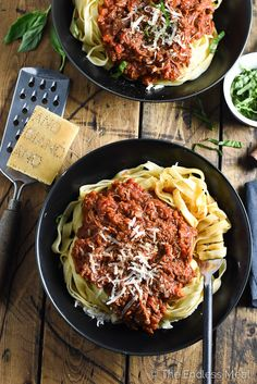 Leftover Turkey Crock Pot Bolognese | A super easy and crazy delicious way to use your leftover Thanksgiving or Christmas turkey. | theendlessmeal.com