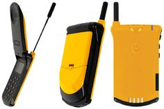 Mobiles phones go retro - Motorola StarTAC gets a colourful reissue