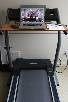 DIY Treadmill Desk- Whole Lifestyle Nutrition Treadmill Desk, Diy Desk, Academia, Home Organization, Diy Furniture, Office Furniture, Furniture Removal, Home Projects, Making Ideas