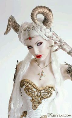 The stunning and very talented Jolien Rosanna as a model, artist,  jewelery designer and owner of Fairytas