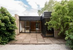 On the market: modernist property on the Cockaigne Housing Group development in Hatfield, Hertfordshire - WowHaus Hatfield Hertfordshire, English Heritage, Concept Architecture, Cladding, New Homes, Houses, Extension Ideas, London, Building