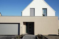 Fassade Braun-Weiß