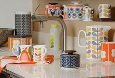Orla Kiely Kitchen Accessories - love the mix of colors and prints Kitchen Items, New Kitchen, Kitchen Dining, Kitchen Stuff, Dining Room, Orla Keily, Urban Loft, Soft Furnishings, Kitchen Accessories