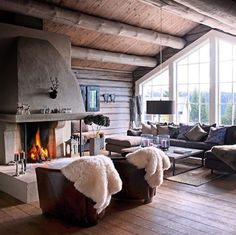 Vinn opphold for to på et ekte dansk badehotell! Cozy Living Rooms, Home And Living, Living Room Decor, Interior Architecture, Interior Design, Rustic Home Design, Lodge Style, Cabins And Cottages, Log Homes