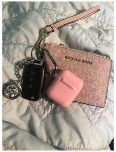Bracelet Michael Kors, Michael Kors Wristlet, Michael Kors Keychain, Michael Kors Bag, Luxury Purses, Luxury Bags, New Car Accessories, Jewelry Accessories, Fashion Accessories