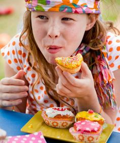 Me: More Bang for Your Nutritional Buck -- Easy ways to make your kid's favorite foods more healthy Healthy Habits, Healthy Recipes, Kid Friendly Restaurants, Health Diet, Diet Tips, Healthy Eating, Healthy Food, Bangs, Sweet Treats