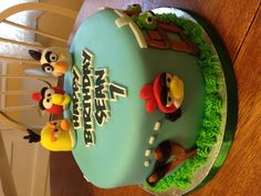 Angry Birds Cake.