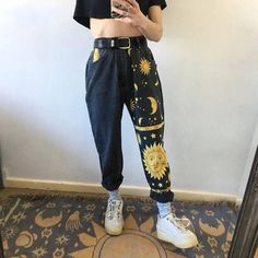 Painted Jeans, Painted Clothes, Jean Vintage, Vintage Denim, Cool Outfits, Fashion Outfits, Fashion Fashion, Funky Outfits, Fashion Clothes