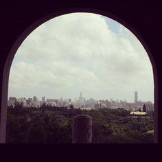 View of #Kaohsiung from #Chengqinglake. 從 #澄清湖 qita往 #高雄 的風景 #Taiwan
