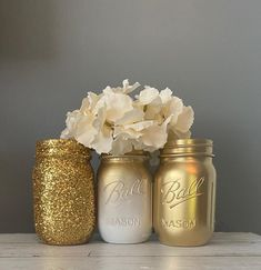 Kerr Mason Jars, Glitter Mason Jars, Mason Jar Flowers, Painted Mason Jars, Mason Jar Crafts, Mason Jar Diy, Flower Vases, Mason Jar Sizes, Mason Jar Flower Arrangements