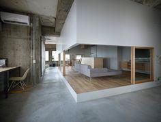 creating a new room in an old concrete shell Beton Design, Concrete Design, Home Interior Design, Interior And Exterior, Interior Decorating, Japanese Interior, Interior Architecture, Construction, House Design