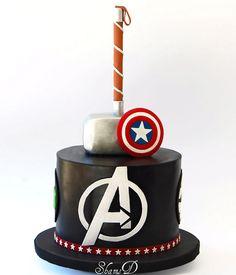 Avengers cake - cakes for men в 2019 г. avengers birthday ca Captain America Birthday Cake, Avengers Birthday Cakes, Happy Birthday Cakes, Thor Cake, Marvel Cake, Bolo Thor, Pastel Avengers, Bolo Tumblr, Movie Cakes