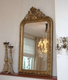 Kroonluchter Galerie » French Mirror with a Lovely Crest