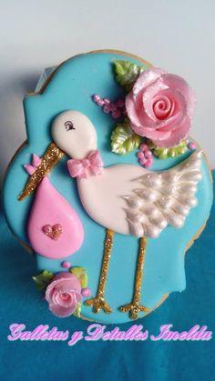 Boy Baby Shower Cookie:  Stork & Flowers on Blue Background (dulce espera - cigueña en el jardin)
