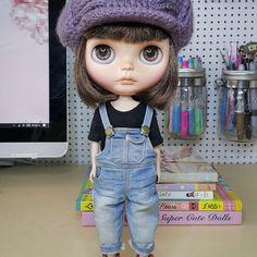 Muy pronto Noita y otras chicas te van a enseñar como puedes hacer que tus niñas con cuerpo Licca posen como modelos profesionales en tus fotos Esto sólo en la revista @blythelivingmagazine a partir del próximo lunes! • • • #Sonydolls #blythedoll #blythe #picoftheday #dollmaker #blytheaday #blythethailand #ブライス #topmodel #etsy #bestofetsy #ilovemyjob #blythelivingmagazine #babyface #bigeyes #magazine #neoblythe #takara #toys4life #dolllife #Noa