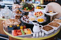 Breakfast is my favourite meal to eat out for. - Breakfast buffets… Breakfast is my favourite meal to eat out for… Les images impressionnantes de - Breakfast Buffet Table, Breakfast Catering, Brunch Buffet, Eat Breakfast, Breakfast Recipes, Petit Déjeuner Continental, Continental Breakfast, Buffets, Fingers Food