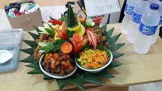 Catering tumpeng 085692092435: Jual Nasi Tumpeng Kuning