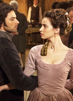 Aidan Turner & Heida Reed in 'Poldark' (2015).