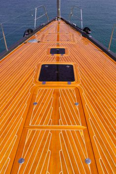 Solaris Yachts - 72 Classic - Bow