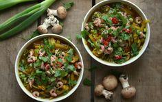 Karola's Kitchen - Aziatische soep van witte kool en garnaaltjes