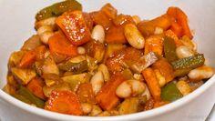 Párolt bab és édesburgonya vega Minden, Ratatouille, Sweet Potato, Potatoes, Ethnic Recipes, Food, Red Peppers, Potato, Essen