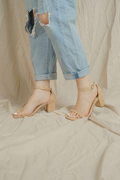 aurora Aurora, Nude, Heels, Fashion, Heel, Moda, Fashion Styles, Shoes High Heels, Fashion Illustrations