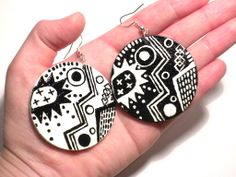 #black #white #abstraction #handmade #painted #earrings #zigzag #jewelry