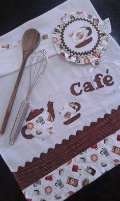 Pano de Prato Xícaras Café no Elo7 | Flor de Chita Atelier - By Karine Rivoli (916187) Dish Towels, Tea Towels, Diy And Crafts, Arts And Crafts, Kitchen Kit, Christmas Towels, Sewing Circles, Fabric Cards, Decorative Towels