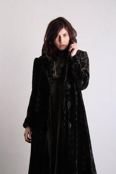 Antique Velvet Coat . Victorian Jacket . Early 1900s \\ VeraVague //
