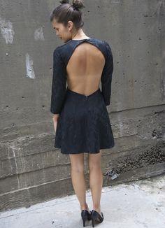 si alguien me diera un vestido asi... me lo haria! T_T