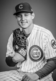 I love this head shot, so classic Cute Football Players, Chicago Cubs History, Kyle Schwarber, Cubs Team, Go Cubs Go, Chicago Cubs Baseball, Mlb Teams, 12th Man, Hey Girl