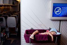 Recentemente tenho recebidomuitos pedidos de leitoras que gostariam que eu publicasse um post especial, com dicas para viajar de avião com um bebê. Eu ach