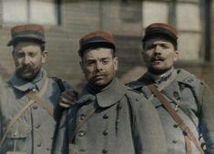 Trois soldats atteints de conjonctivite intoxiqués le 23 mars 1918 ; photographie médicale  Description :  Photo prise à l'H.O.E. de Morvillars pour le Centre Médico-Chirurgical Série : Autochrome de la guerre 1914-1918  Auteur :  Aubert
