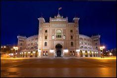 Simetría de de La Puerta Grande de la Plaza Monumental de Las Ventas (Madrid)