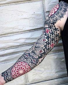 New Geometric Tattoo Leg Men 39 Ideas Mandala Arm Tattoos, Geometric Sleeve Tattoo, Geometric Tattoo Design, Arm Sleeve Tattoos, Mandala Tattoo Design, Tattoo Sleeve Designs, Tattoo Designs Men, Leg Tattoos, Body Art Tattoos