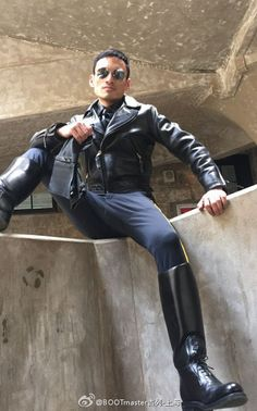 As the title of my site says, I'm a leather bootlicker in Nebraska. I'm into boots, leather, and uniforms. Mens Tall Boots, Mens Riding Boots, Sexy Boots, Man Boots, Black Boots, Men's Leather Jacket, Leather Men, Leather Boots, Bike Suit