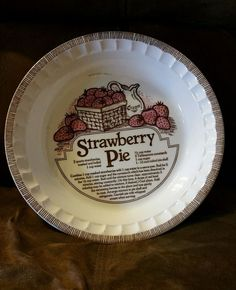 """Vintage Jeannette Royal China Strawberry Pie Recipe 11"""" Pie Plate Pan USA NICE!! in Collectibles, Kitchen & Home, Kitchenware   eBay"""