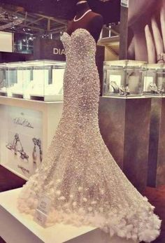72 best Pearl Wedding Dresses images on Pinterest | Wedding frocks ...