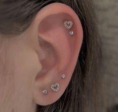 Ear Jewelry, Cute Jewelry, Body Jewelry, Jewelry Accessories, Jewlery, Pretty Ear Piercings, Ear Peircings, Piercings For Small Ears, Different Ear Piercings