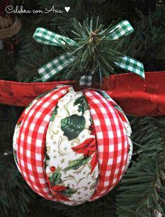 Bolas de Navidad caseras • Celebra con Ana Victorian Christmas Ornaments, Christmas Ornament Crafts, Christmas Bulbs, Christmas Crafts, Christmas Decorations, Xmas, Holiday Decor, Fabric Crafts, Quilts