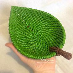 Плетёные изделия из бумажной лозы .