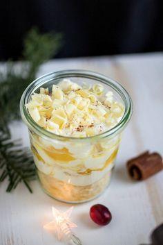 3 weihnachtliche Dessertvariationen im Glas,mit Früchten und Likör. Dessert Rezepte mit Baileys, Eierlikör oder Licor 43. Nachtisch mit Alkohol. Rezept für Weihnachtsdessert im Glas.