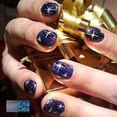 Una decorazione natalizia realizzata da Jessynail... www.decorazioneun...