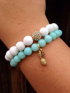 Mint Bracelet W/ Gold Pineapple Charm Pineapple Jewelry, Gold Pineapple, Cute Jewelry, Jewelry Accessories, Accesorios Casual, Jewelry Making, Beaded Bracelets, Charmed, Etsy