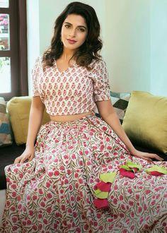 Here are the latest stills of the bubbly actress Iswarya Menon.  @Ishmenon #IswaryaMenon #bubblyactress Photograph of Iswarya Menon ACTRESS DIVYANSHA KAUSHIK HD PHOTOS, LATEST WALLPAPERS  PHOTO GALLERY  | LH3.GOOGLEUSERCONTENT.COM  #EDUCRATSWEB 2020-07-28 lh3.googleusercontent.com https://lh3.googleusercontent.com/-V0BW9XgTPIU/XLLRFhcJaiI/AAAAAAAARbs/itZ5Fh0XTp8SbTiuM80ZfECQ3M_IamyHgCLcBGAs/s640/actress-divyansha-kaushik-photos-20.jpg