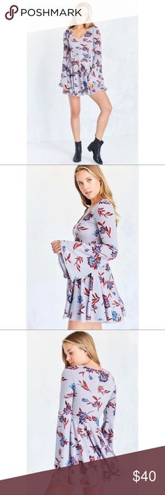 Kimchi Blue Cozy Printed Bell Sleeve Dress New! Super cute and comfortable! Kimchi Blue Dresses Midi