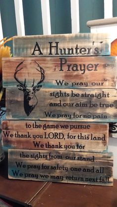 Pallet Projects Man Cave Inspiration - see inspiration for a hunting cabin in the woods! - Great man cave inspiration for your space. Get ideas on how to decorate your man cave with various items that are hunting cabin inspired. Pallet Crafts, Pallet Art, Wood Crafts, Diy Crafts, Fall Pallet Signs, Christmas Pallet Signs, Pallet Projects Christmas, Fall Wood Signs, Hunter's Prayer