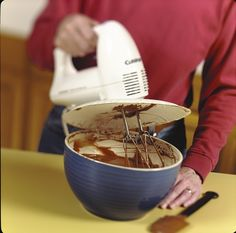 Use a paper plate to prevent splatters when using an electric whisk. - See more at: http://www.glamumous.co.uk/2013/03/101-household-tips-for-every-room-in.html#sthash.ZkAV6o06.dpuf