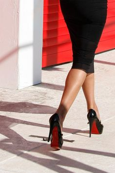 ♥ black pencil skirt with those infamous red sole pumps /// glamorous & chic