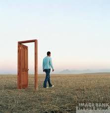 Síndrome do mundo moderno : A porta da minha vida está aberta, pode ir embora a hora que quiser...